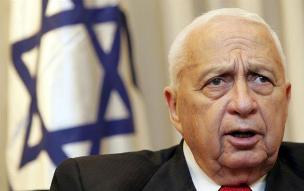Παλαιστίνιοι αξιωματούχοι: «Εγκληματίας πολέμου ο Αριέλ Σαρόν»
