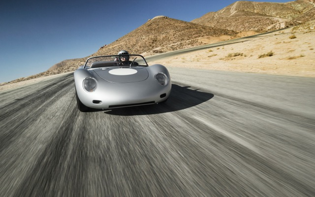 Porsche: Δίνει μπόνους 8.200 ευρώ στους υπαλλήλους της