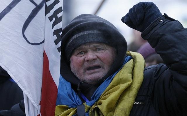 «Η Ουκρανία βρίσκεται στα πρόθυρα εμφυλίου πολέμου»