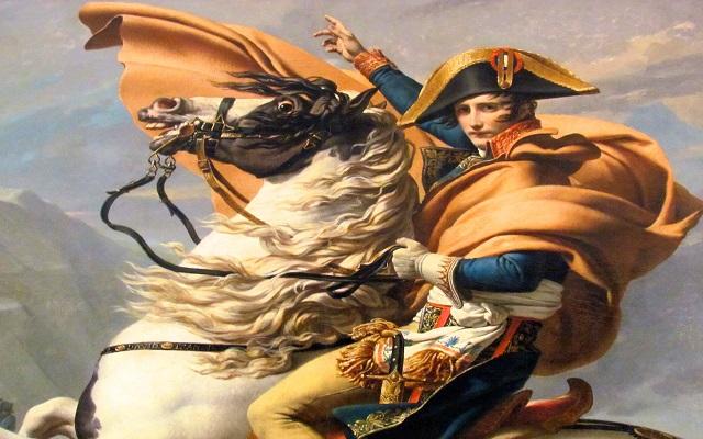«Στο σφυρί» τα ρούχα του Ναπολέοντα