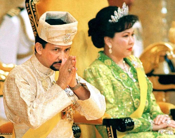 Bodyguard «ξάφρισε» την πρώην γυναίκα του Σουλτάνου του Μπρουνέι