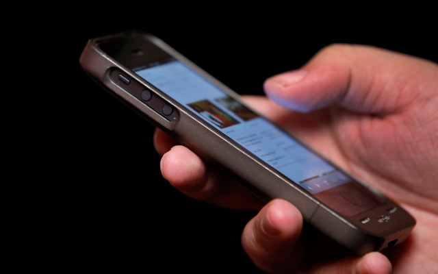 Πώς το κινητό μάς βρίσκει δουλειά