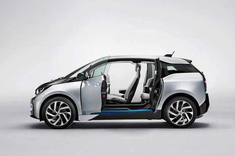 BMW i3: Βάλτο στη πρίζα