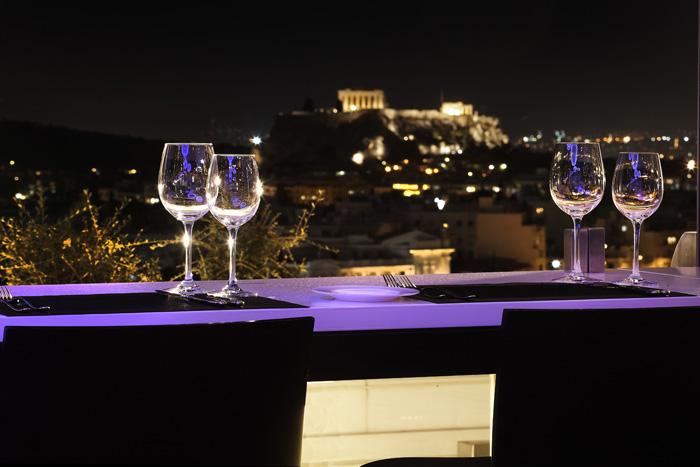 Γιορτάστε τον Άγιο Βαλεντίνο στο Hilton Αθηνών