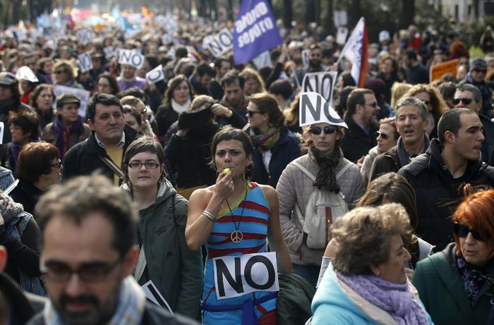 Χιλιάδες «όχι» στην απαγόρευση των αμβλώσεων