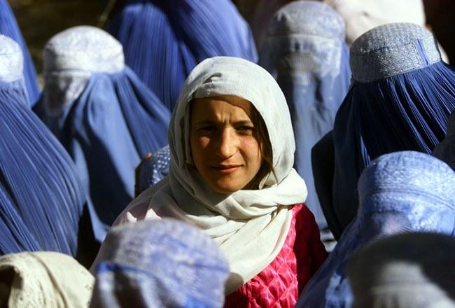 Νόμος-φίμωτρο στις γυναίκες που πέφτουν θύματα βίας