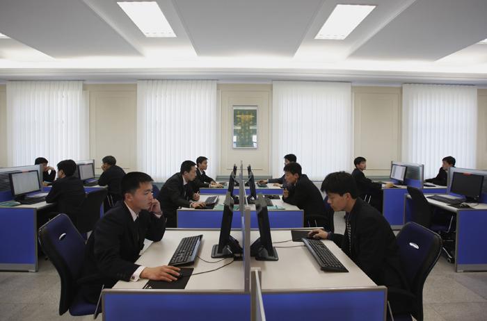 Ο αγγλόφωνος «στρατός» της κομμουνιστικής Πιονγιάνγκ