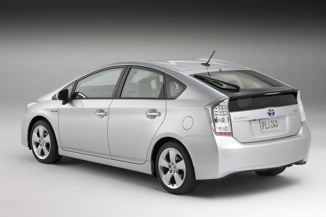 Toyota: Ανακαλεί 1,9 εκατ. Prius εξαιτίας προβλήματος στο λογισμικό