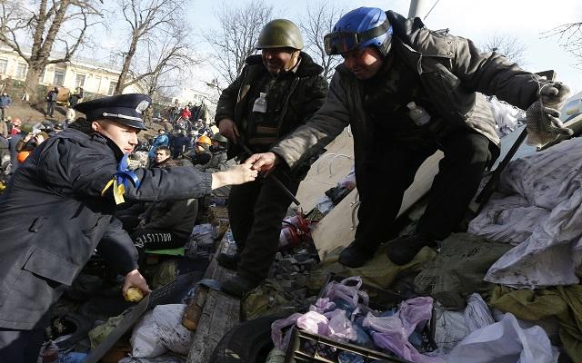 Μπορεί αυτό να είναι το τέλος της κρίσης στην Ουκρανία; – Live video