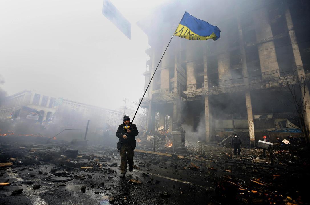 Καρέ – καρέ η «Μαύρη Πέμπτη» της Ουκρανίας