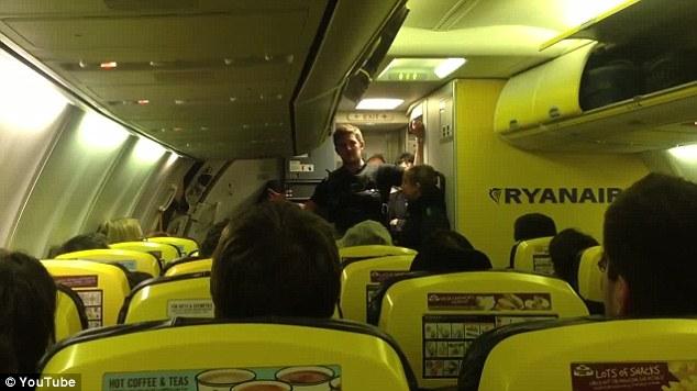 Βίντεο: H πτήση της Ryanair που εξόργισε τους επιβάτες της