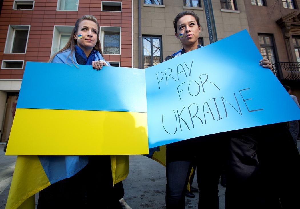 Ουκρανία: Και επίσημα στις «δαγκάνες» του ΔΝΤ