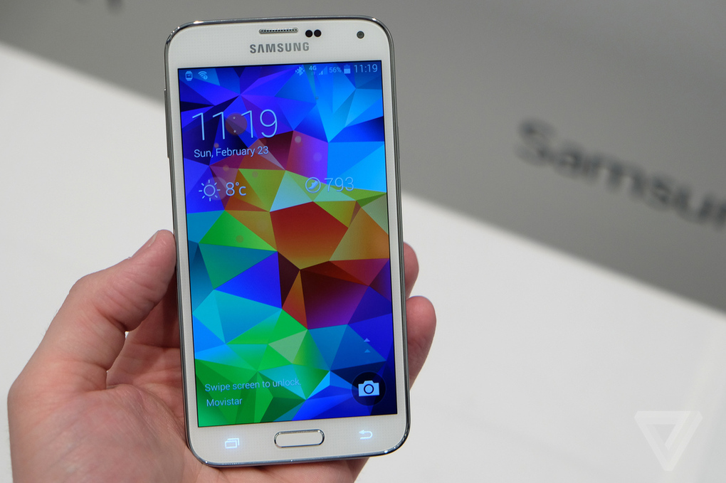 Το αδιάβροχο Galaxy S5 που αναγνωρίζει δαχτυλικά αποτυπώματα