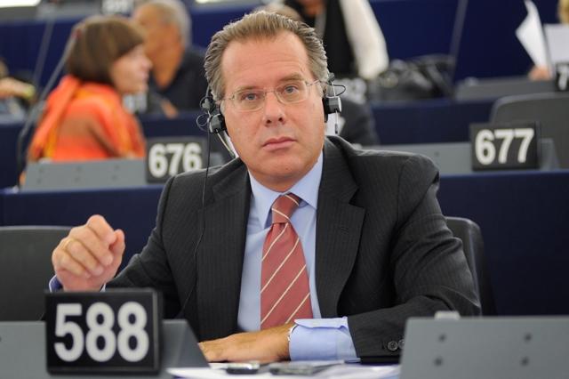 Ο Γιώργος Κουμουτσάκος υποψήφιος της ΝΔ στην Περιφέρεια Αττικής