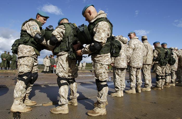 Σε κατάσταση ετοιμότητας ο ρωσικός στρατός λόγω της κρίσης στην Κριμαία