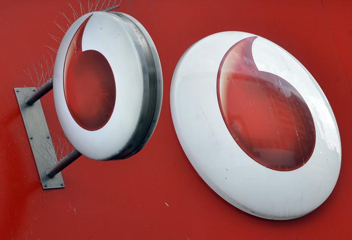 H Vodafone αύξησε τους πελάτες της