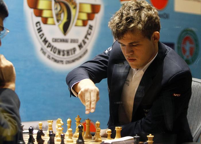Παίξτε σκάκι με έναν παγκόσμιο πρωταθλητή
