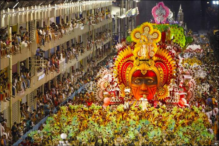 Δωρεάν προφυλακτικά ενόψει καρναβαλιού και Μουντιάλ