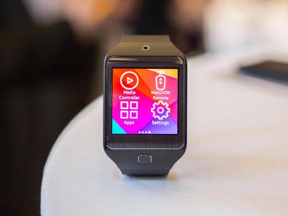 Τριπλέτα smartwatches από τη Samsung