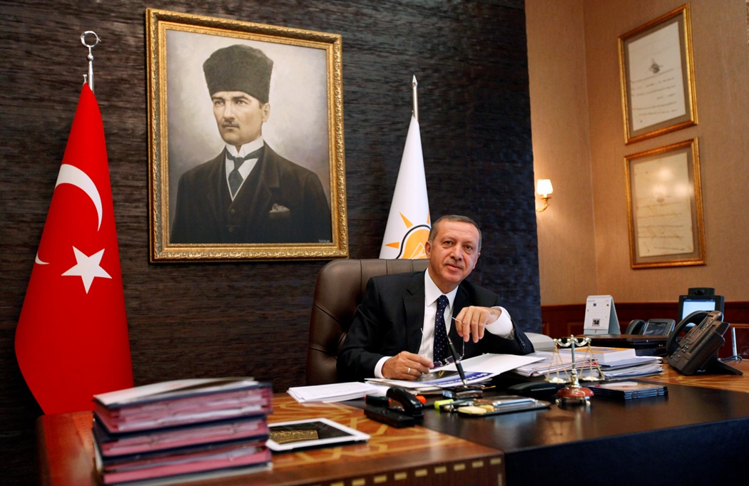 Νέα συνομιλία «καίει» τον Ερντογάν