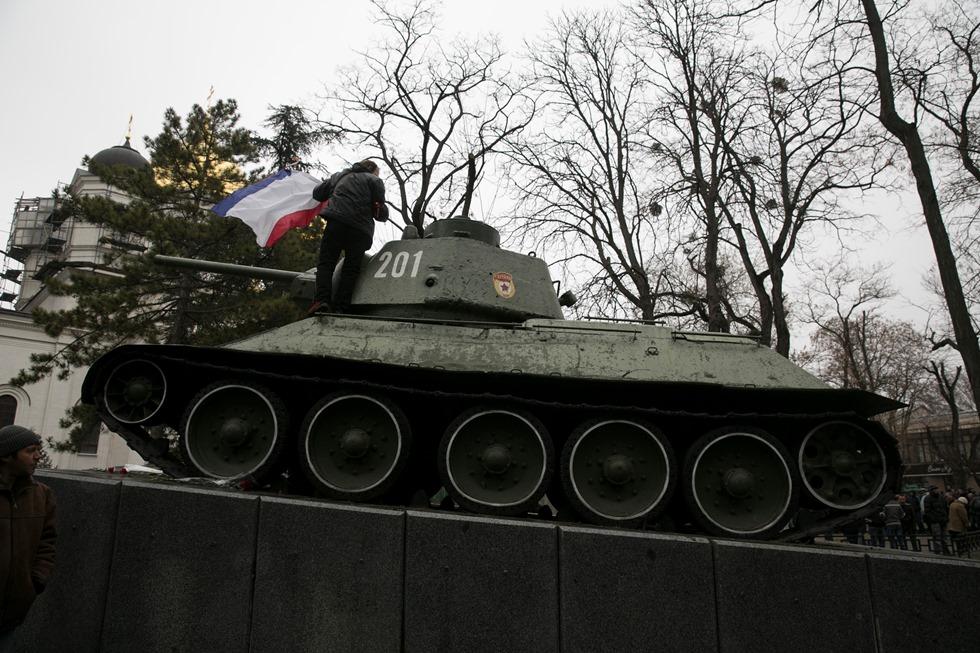 Ένοπλοι κατέλαβαν τη Βουλή στην Κριμαία