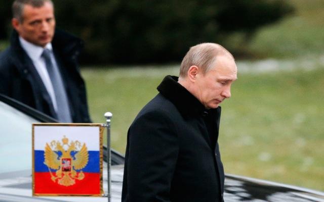 Σε κλοιό πιέσεων η ρωσική οικονομία