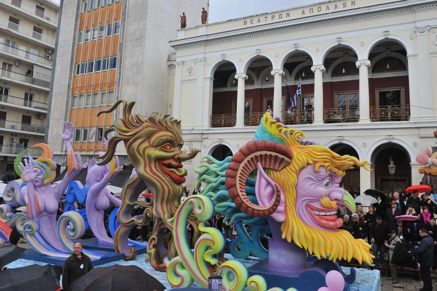 Η εστίαση έχασε 8 εκατ. ευρώ από τη ματαίωση του καρναβαλιού της Πάτρας