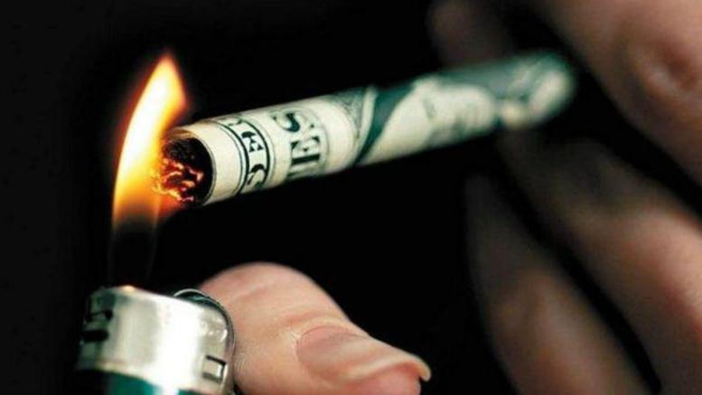 Το διάλειμμα για τσιγάρο κοστίζει δισ. στις εταιρείες