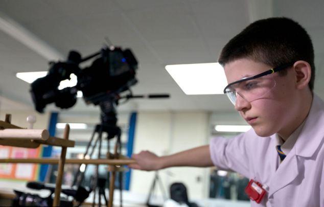 Ένας πυρηνικός φυσικός μόλις 13 ετών