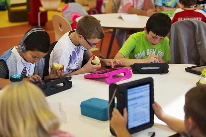 Νέο εκπαιδευτικό tablet από την Amplify