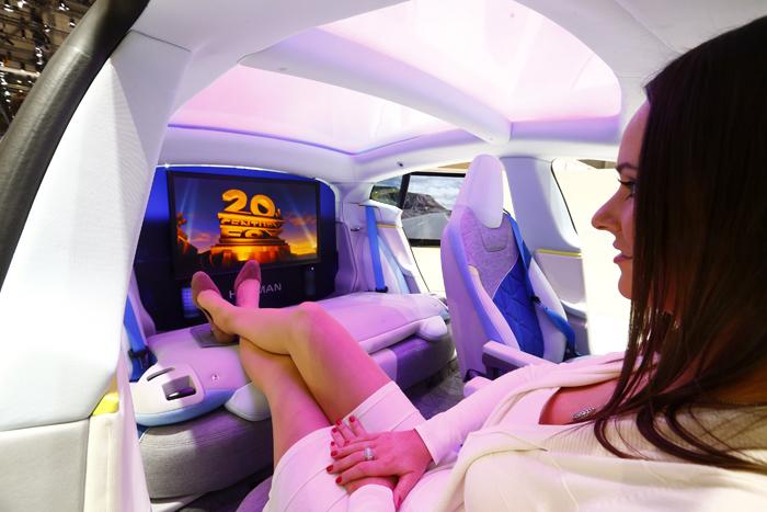 Έξι αυτοκίνητα που «βλέπουν» στο μέλλον