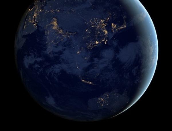 Μοναδικές φωτογραφίες της Γης τη νύχτα