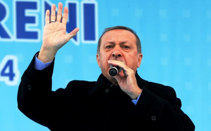 Ο Ερντογάν ρίχνει «λάδι στη φωτιά»