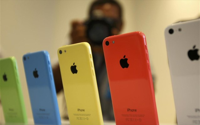 Νέο φτηνότερο iPhone 5C ρίχνει στην αγορά η Apple