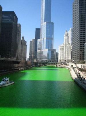 Το ποτάμι βάφτηκε πράσινο