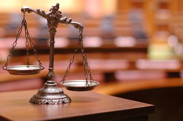 Την απαγγελία κακουργηματικών κατηγοριών σε βάρος 115 προσώπων για επισφαλή δάνεια των ΝΔ-ΠΑΣΟΚ ζητά η Οικονομική Εισαγγελία