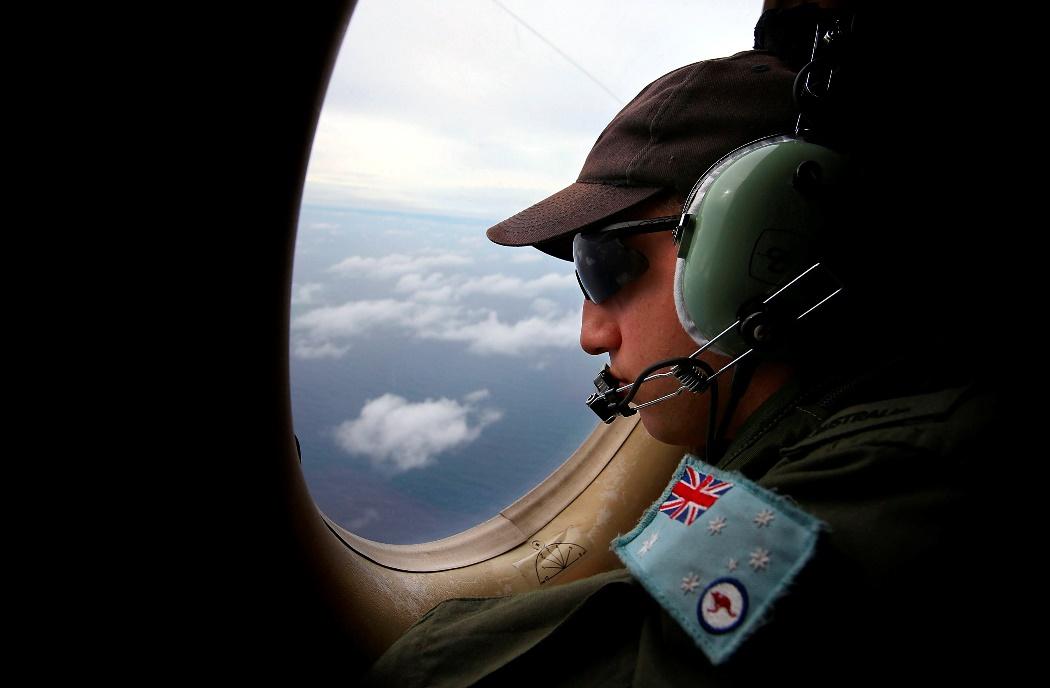«Ο πατέρας μου δεν έριξε το αεροπλάνο» ξεσπά ο γιός του πιλότου
