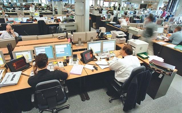 Με το κιάλι βλέπουν τις αυξήσεις οι εργαζόμενοι των επιχειρήσεων
