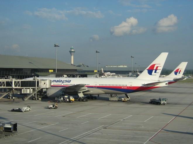 Boeing 777: To νέο «αξιόπιστο» στοιχείο που αλλάζει την περιοχή της έρευνας