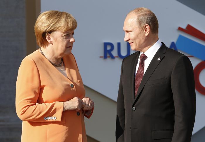 «Καρφιά» Γερμανών επιχειρηματιών για τις κυρώσεις στη Ρωσία