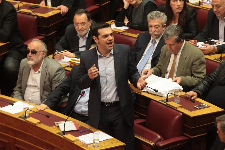 Ενδεχόμενο αποχής της αντιπολίτευσης στη συνεδρίαση για το δημοψήφισμα