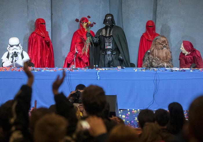 Η Γιούλια, ο «βασιλιάς της σοκολάτας» και ο Ουκρανός Darth Vader!