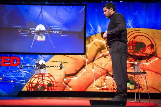 Guardian: Ο Έλληνας που φέρνει τα «ανθρωπιστικά» drones