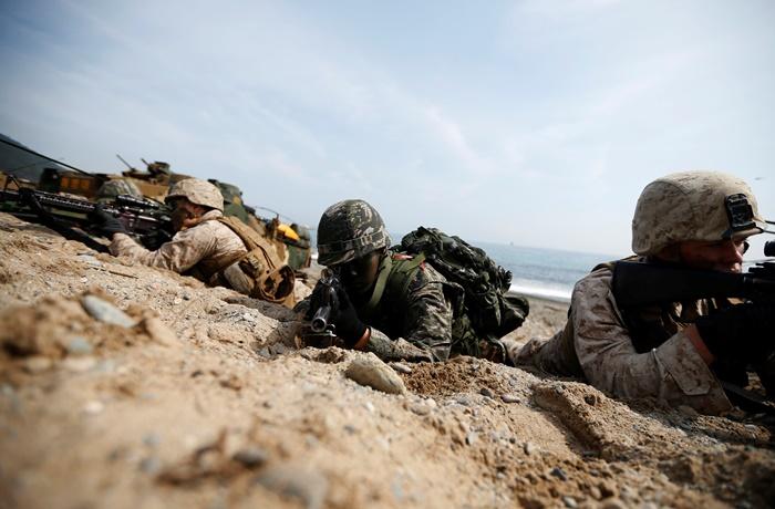 Βόρεια και Νότια Κορέα «ανταλλάζουν» οβίδες