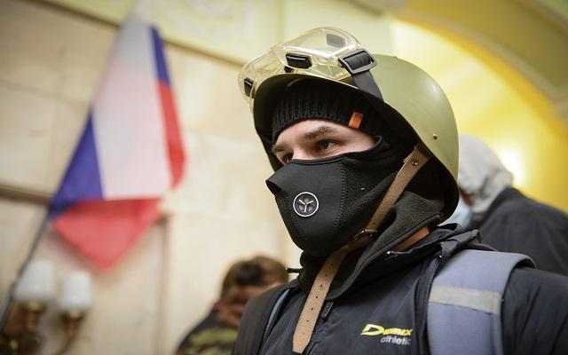 «Κυρίαρχη δημοκρατία» κήρυξαν το Ντονέτσκ οι ρωσόφιλοι διαδηλωτές