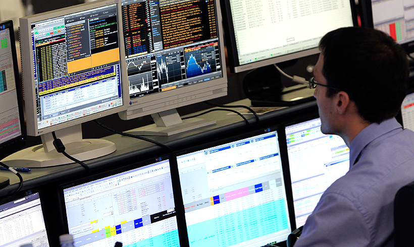 Η Ελλάδα άντλησε 3 δισ. ευρώ με επιτόκιο 4,95%