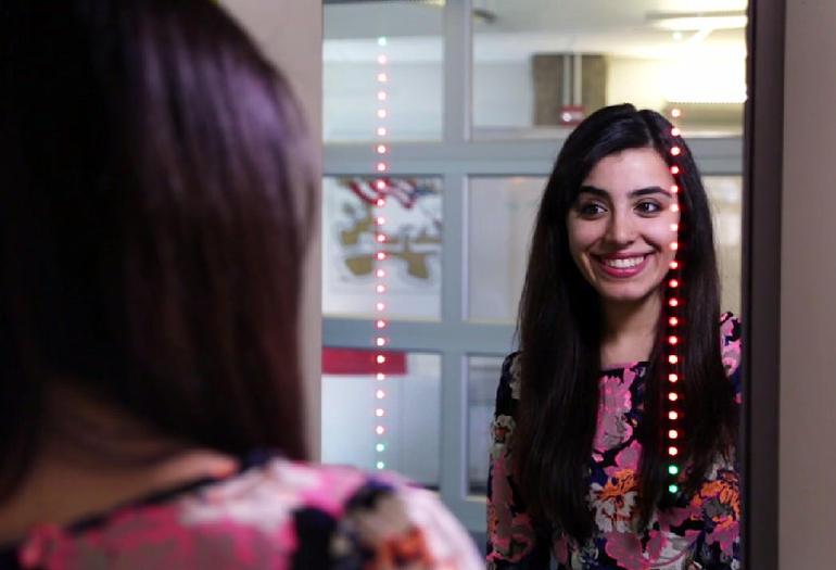 Ένας καθρέφτης μόνο για selfies (Βίντεο)
