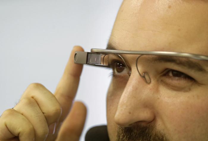 Πώς να χρησιμοποιήσετε το Google Glass στην εργασία