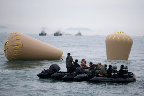 Ν. Κορέα: Πνίγηκε δύτης κατά τη διάρκεια διαδικασίας ανάσυρσης θυμάτων