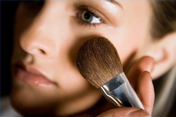 Βρείτε δουλειά με ή χωρίς make up!